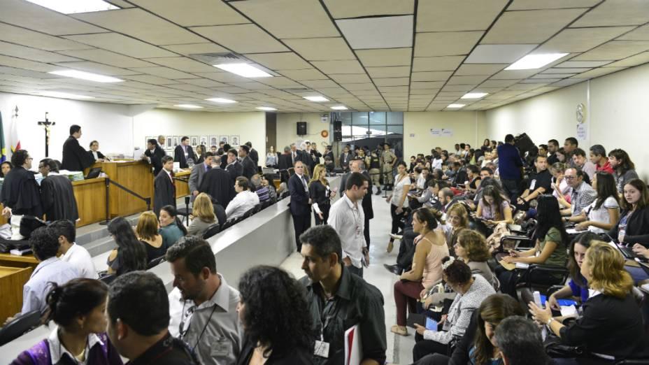 Movimentação na sala de audiência do Fórum Doutor Pedro Aleixo, em Contagem, para o julgamento do ex-goleiro Bruno