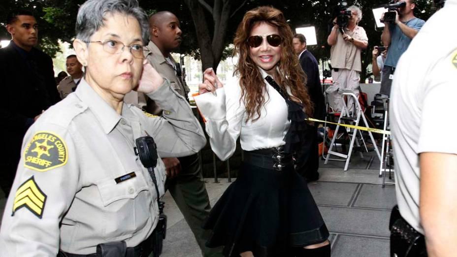 La Toya Jackson chega para o terceiro dia do julgamento do médico Conrad Murray, pela morte de Michael Jackson, em Los Angeles