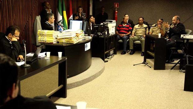 Irmão de PC, Augusto Farias presta depoimento perante o júri