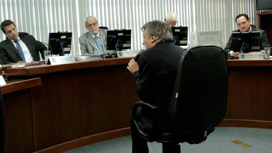 O presidente da Portuguesa, Manuel da Lupa, no julgamento do clube no STJD