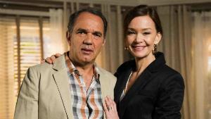 Helena (Júlia Lemmertz) e Virgílio (Humberto Martins)