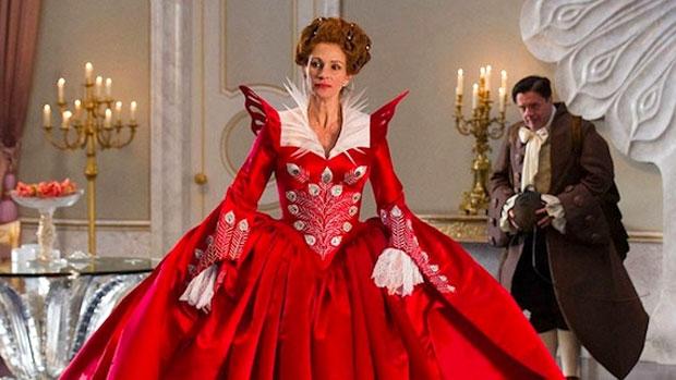 Julia Roberts interpreta a madrasta de Branca de Neve no filme <em>Espelho, Espelho Meu</em>