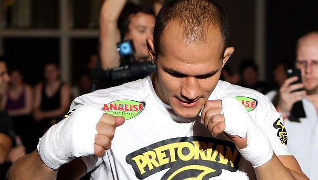 Júnior Cigano nos treinos livres antes do UFC 146, em Las Vegas