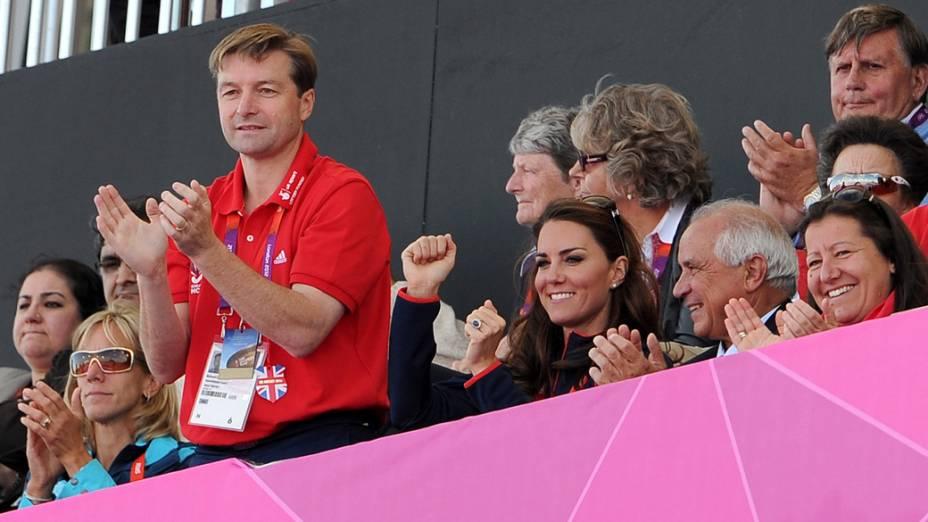 A Duquesa de Cambridge, Kate Middleton acompanha time de hóquei britânico, na arena Riverbank em Londres