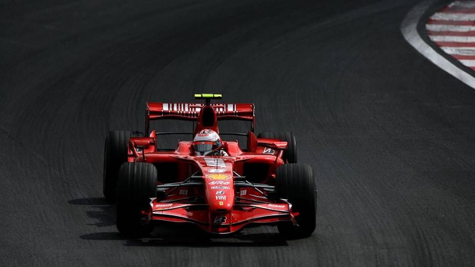 Kimi Raikkonen durante a Fórmula 1, em 2007