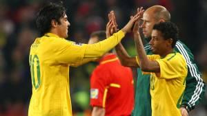 Kleberson entra no lugar de Kaká na Copa de 2010