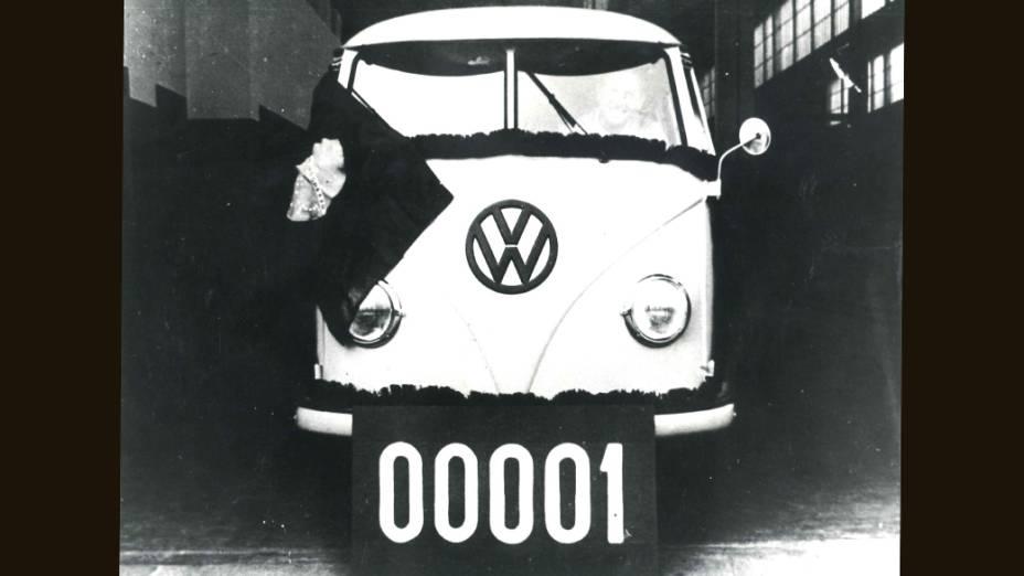 Primeira Kombi fabricada no Brasil, em 1957