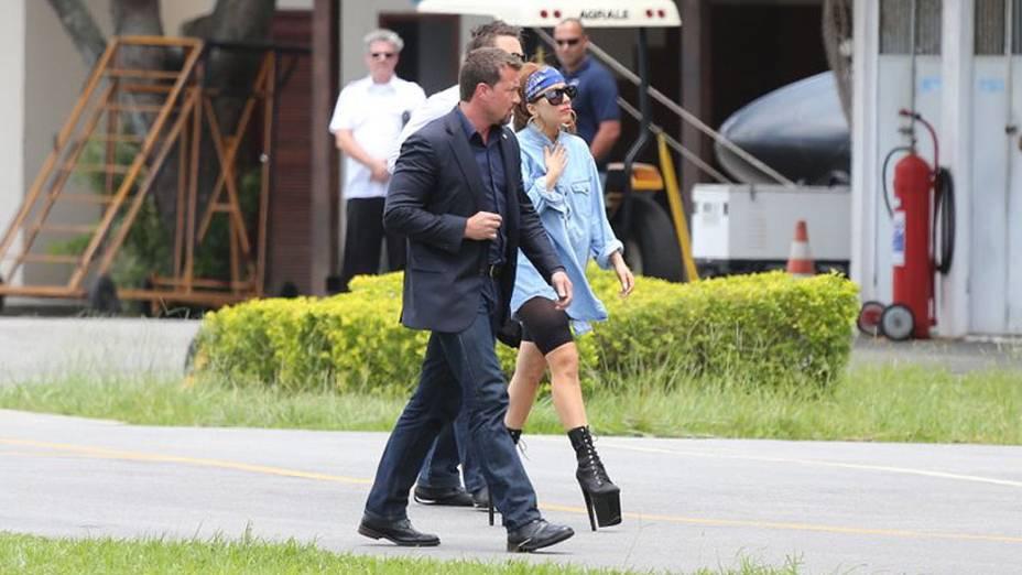 Lady Gaga chega no heliponto da Policia Militar na Lagoa, no Rio de Janeiro