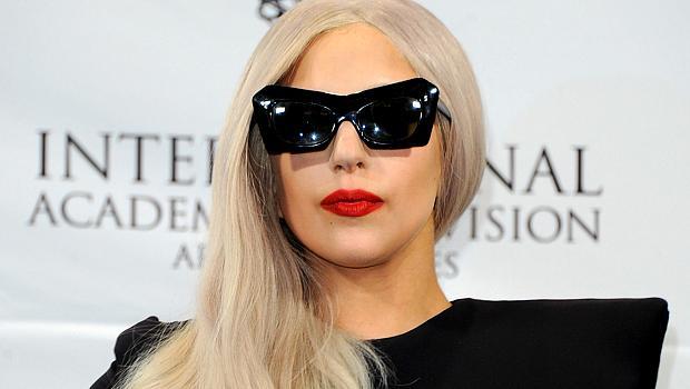 Lady Gaga milita pelos direitos dos homossexuais e criou uma fundação anti-bullying