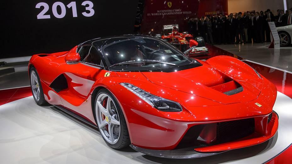 A Ferrari apresentou no Salão de Genebra a LaFerrari, seu primeiro modelo híbrido