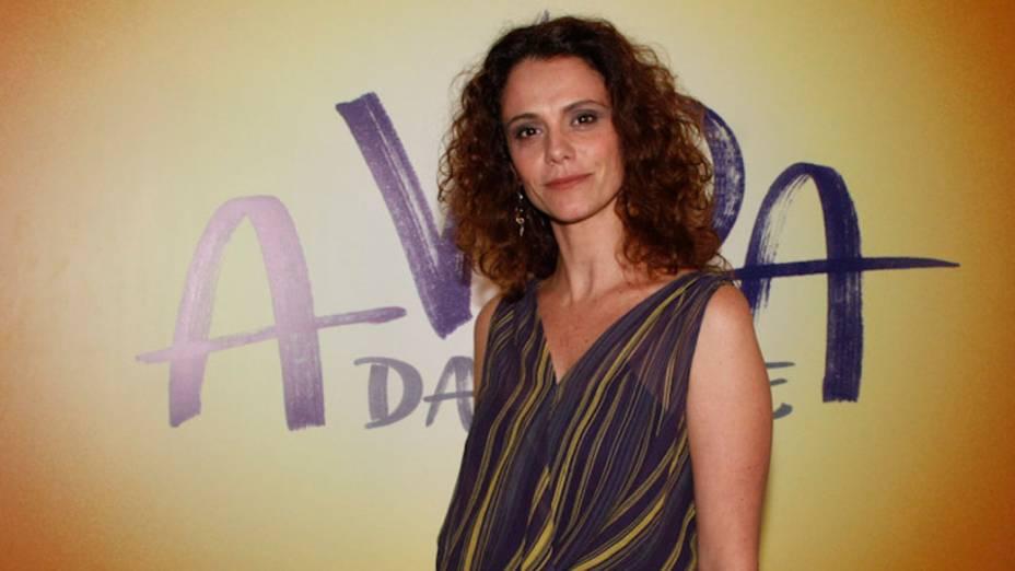 """<br><br>  Renatta Gomes, atriz da novela """"A vida da gente"""", durante festa de lançamento - 25/09/2011"""