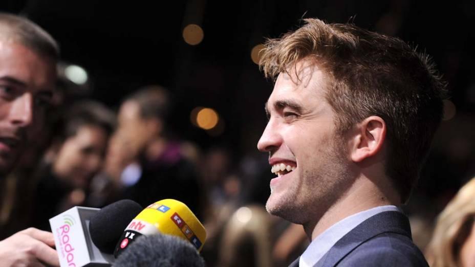 Robert Pattinson na première do filme <em>A Saga Crepúsculo: Amanhecer - Parte 1</em>, em Los Angeles