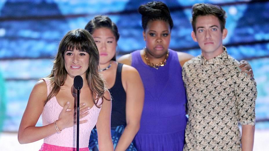 """A atriz Lea Michele fez um discurso emocionado em sua primeira aparição pública após a morte do namorado, Cory Monteith. O casal, que estava junto há mais de um ano, era o protagonista do seriado """"Glee"""""""