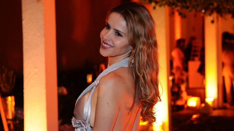 """Leona Cavalli durante a festa de lançamento da novela """"A vida da gente"""""""