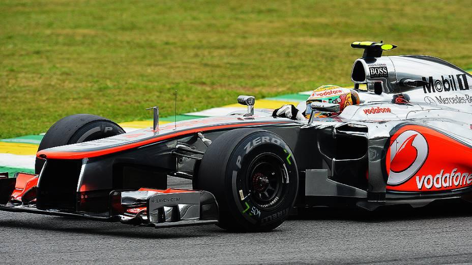 O britânico Lewis Hamilton, da McLaren faz a pole em Interlagos no GP do Brasil