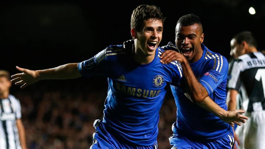 Oscar, do Chelsea, comemora gol sobre a Juventus em partida válida pela primeira rodada da Liga dos Campeões da UEFA