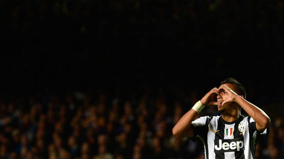 Vidal, da Juventus, comemora gol sobre o Chelsea em partida válida pela primeira rodada da Liga dos Campeões da UEFA