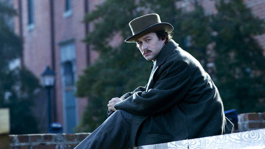 Joseph Gordon-Levitt como Robert Todd Lincoln no filme Lincoln, do diretor Steven Spielberg