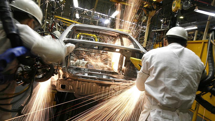 Falta de componentes eletrônicos mina produção global das montadoras