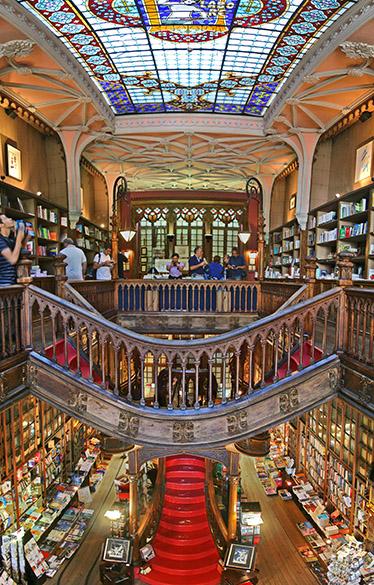 Livraria Lello e Irmão em Porto, Portugal