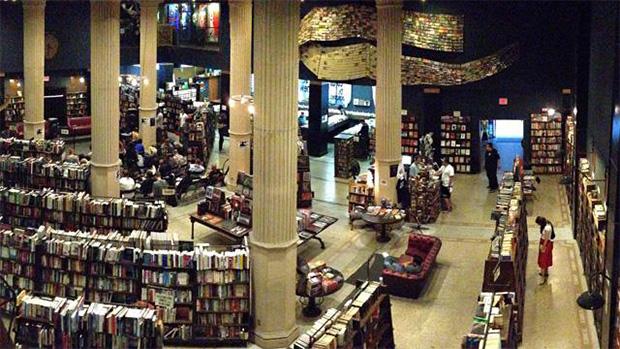 Livraria The Last Bookstore em Los Angeles, Estados Unidos