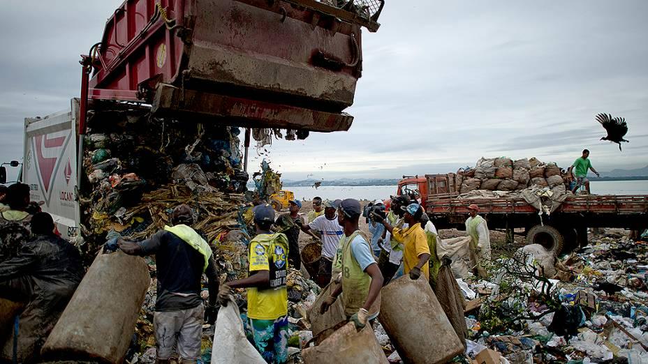 Gramacho implicará o fim do trabalho de 1.800 catadores de materiais recicláveis, que atuavam em condições sub-humanas<br> <br>