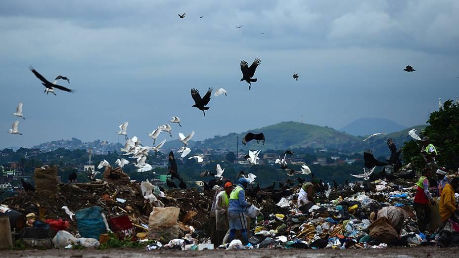 Considerado o maior lixão da América Latina, Gramacho será desativado na sexta-feira (1º) sem uma avaliação que aponte o real tamanho da sua contaminação ambiental