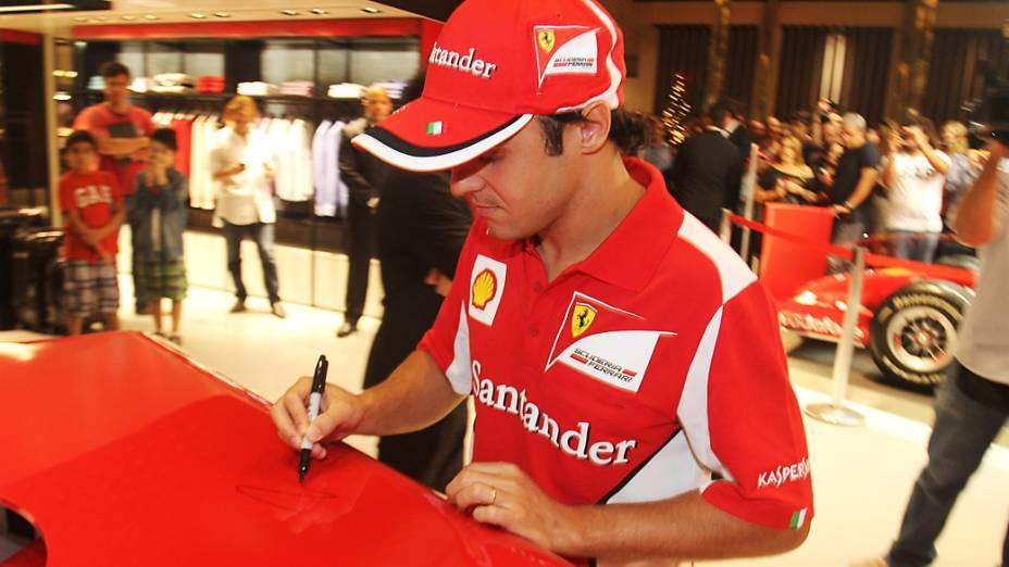 Felipe Massa na inauguração da loja da Ferrari no shopping Fashion Mall, Rio de Janeiro