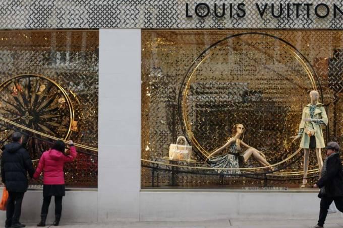 loja-luxo-vuitton-londres-20110124-03-original.jpeg