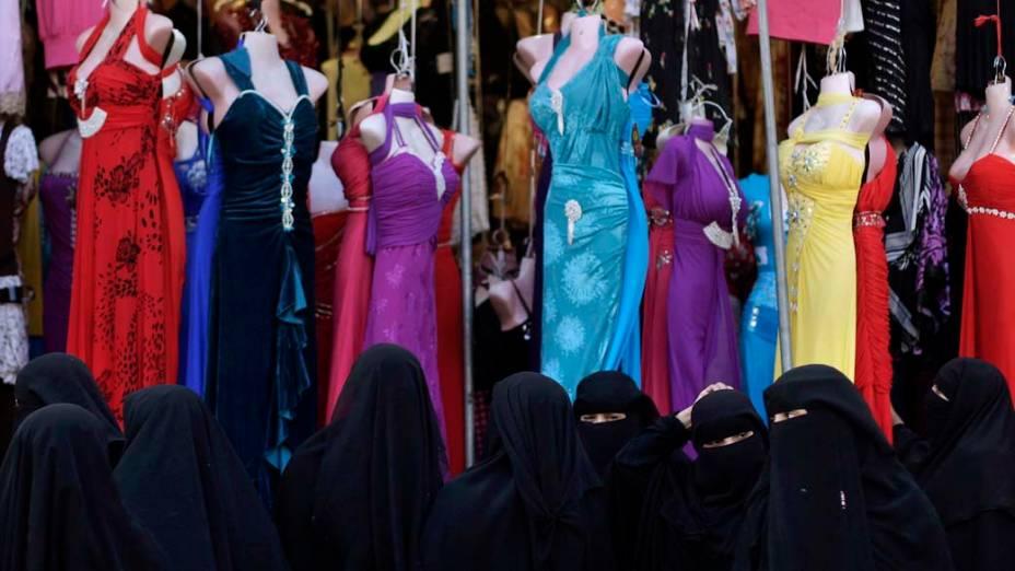 Loja de vestidos femininos em Sanaa, no Iêmen