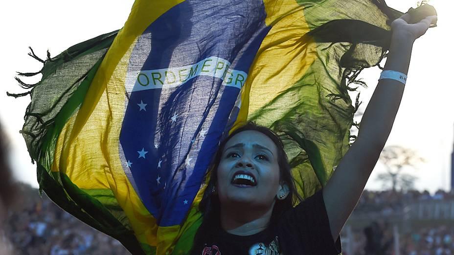 Público durante apresentação do Kasabian no Lollapalooza em São Paulo