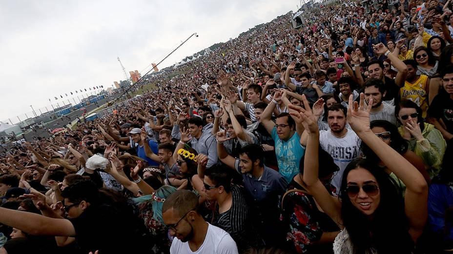 Público durante apresentação da banda Rudimental, no segundo dia do Festival Lollapalooza 2015, no Autódromo de Interlagos, em São Paulo
