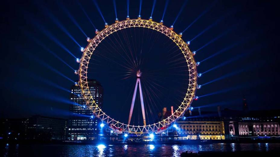 Vista noturna da London Eye, Inglaterra