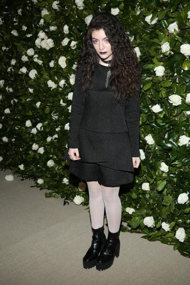 A cantora Lorde no Museu de Arte Moderna de Nova York