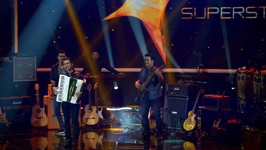 Luan e Forró Estilizado passa pelos duelos do SuperStar