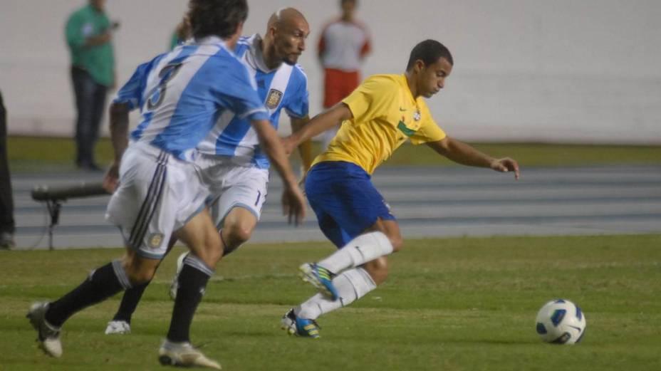 Lucas, do São Paulo, no jogo contra a Argentina, em Belém