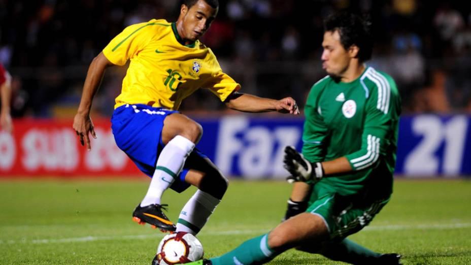 Lucas Rodrigues, camisa 10 da seleção brasileira sub-20, durante jogo contra o Paraguai - 17/01/2011