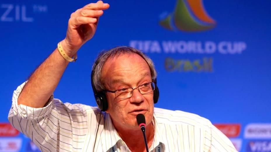 O diretor Luiz Gleiser, responsável pelo sorteio dos grupos da Copa de 2014, na Costa do Sauípe