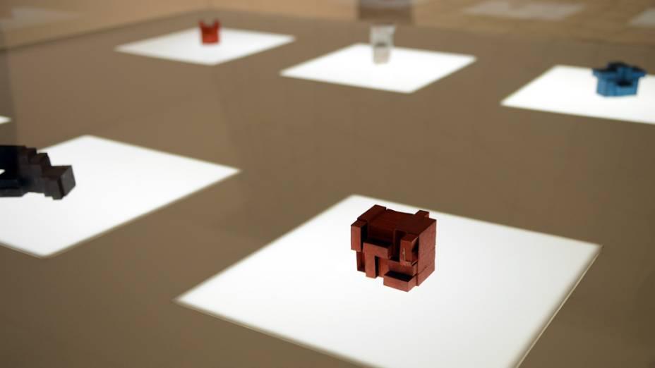 Obras de Lygia Clark na exposição que acontece no Itaú Cultural, em São Paulo