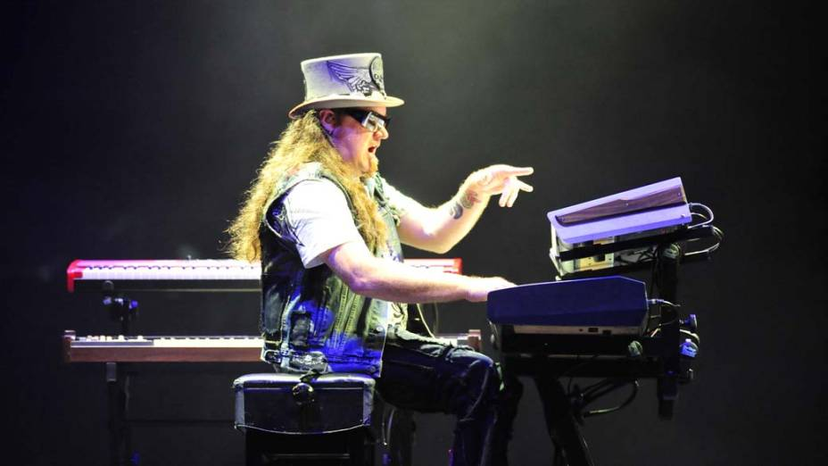Lynyrd Skynyrd durante show no palco Energia & Consciência, no segundo dia do festival SWU em Paulínia, em 13/11/2011