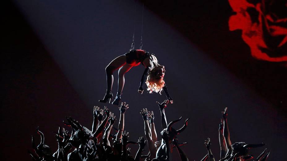 Madonna durante a 57ª edição do Grammy, premiação que elege os melhores da música internacional, que acontece neste domingo (08)