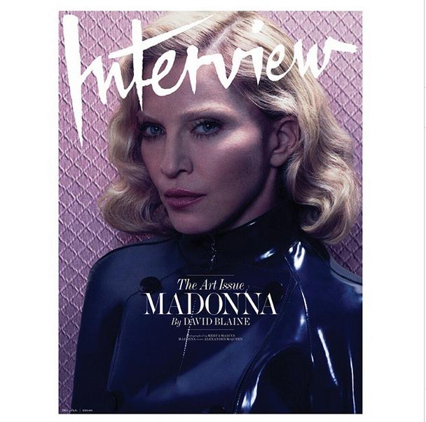Madonna com uma cobra para ensaio da revista Interview