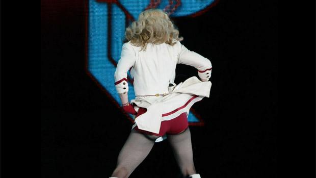 Madonna no show que encerrou a turnê MDNA pelo país, em Porto Alegre (09/12/2012)