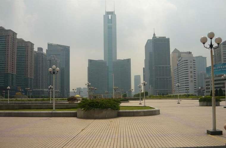 Os 391 metros do CITIC Plaza, em Guangzhou, na China.