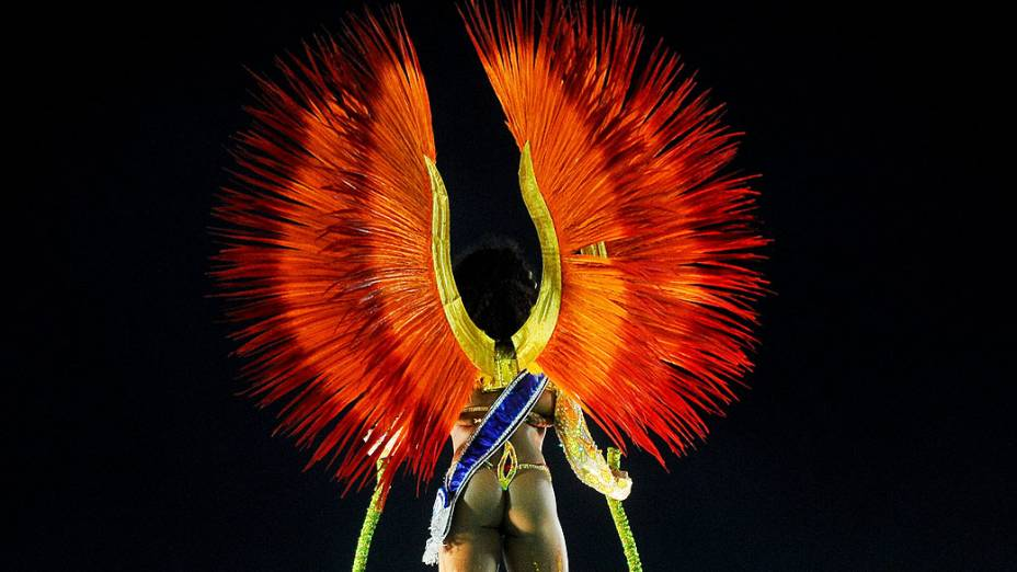 Evelyn Bastos, a rainha do Carnaval do Rio em 2013