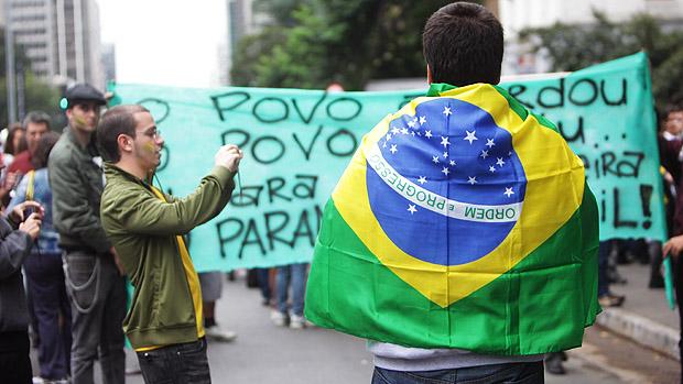 Marcha Nacional contra a Corrupção durante a tarde de hoje na Avenida Paulista