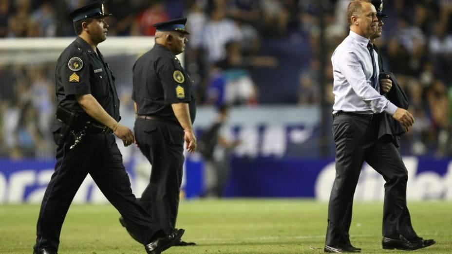 Mano Menezes em seu último jogo pela seleção, em Buenos Aires, contra a Argentina