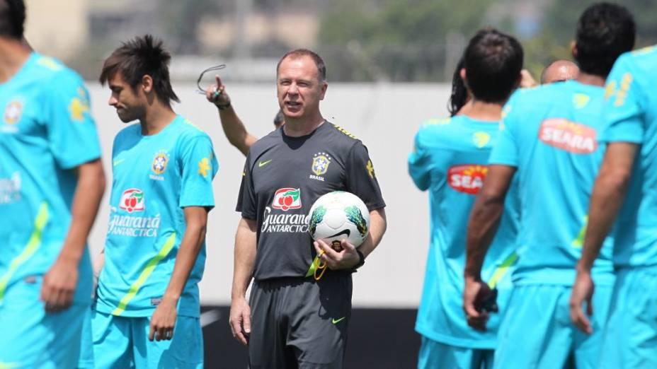 Mano Menezes prepara a seleção para a final do Superclássico das Américas
