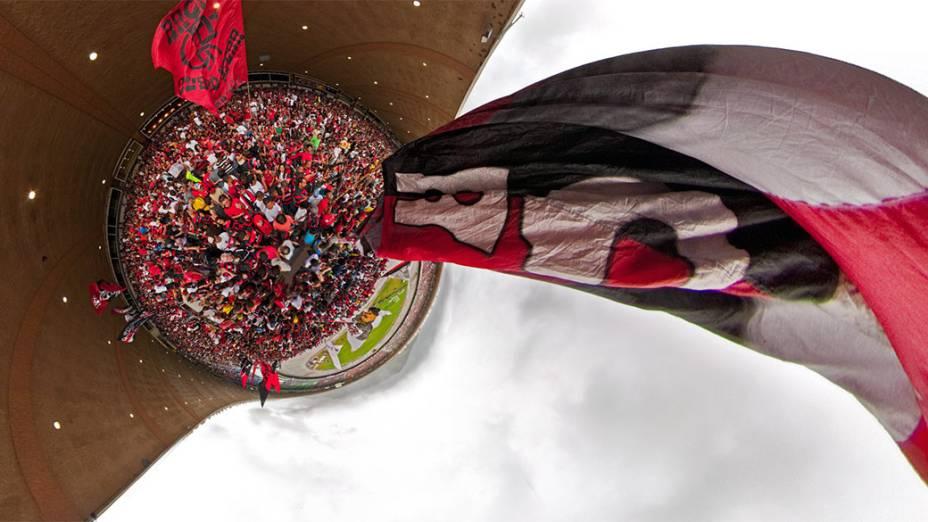 Fotocomposição de diversas imagens realizadas em segundos diferentes