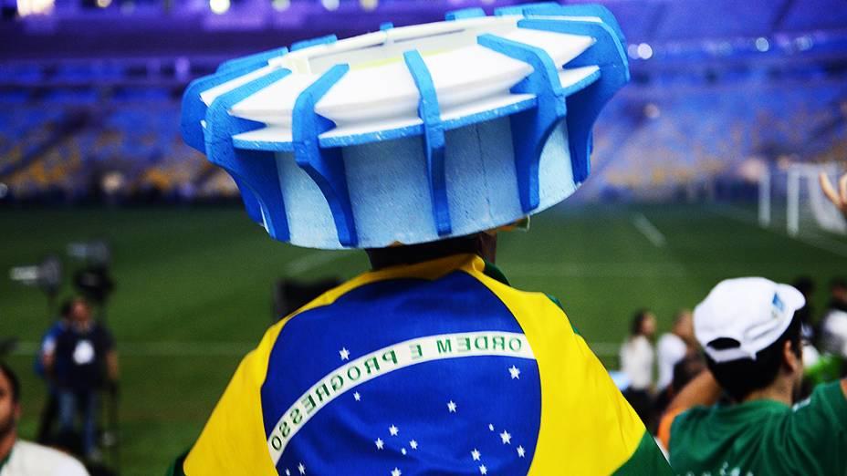 O primeiro evento-teste do novo Maracanã, uma pelada entre os amigos de Ronaldo e Bebeto